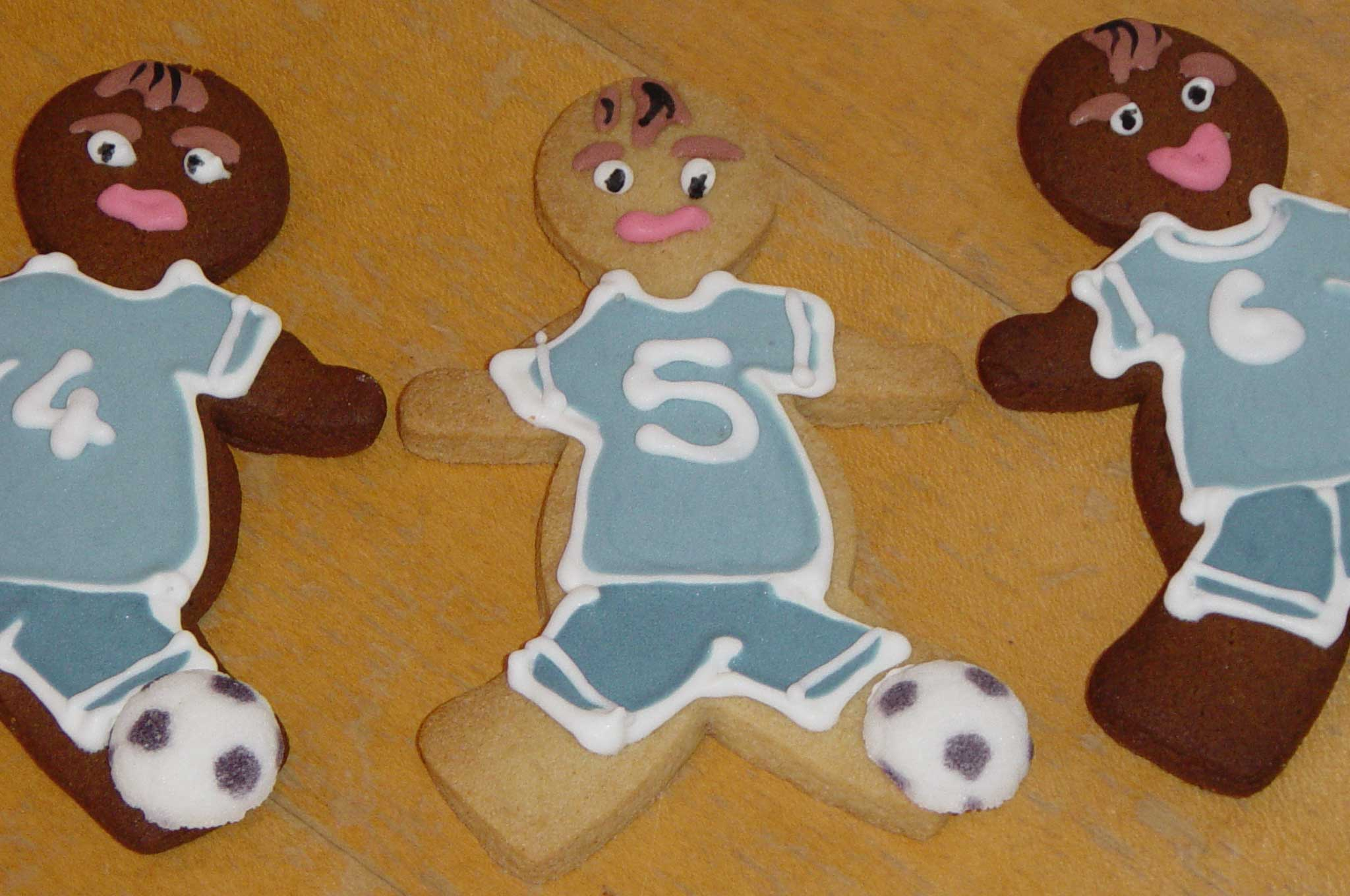 Ideas To Decorate A Paper Gingerbread Man