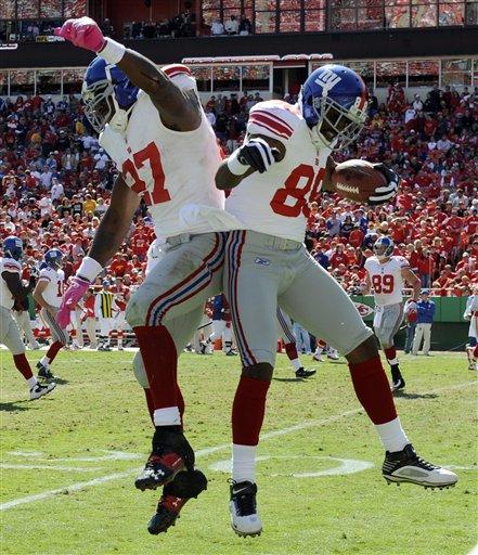 Giants 27, Chiefs 16. Hakeem Nicks + Brandon Jacobs = BOOTY BUMP!